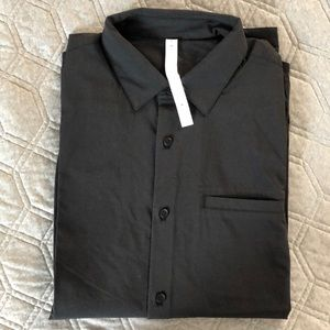 NWT Lululemon Off The Chain Buttondown Size L